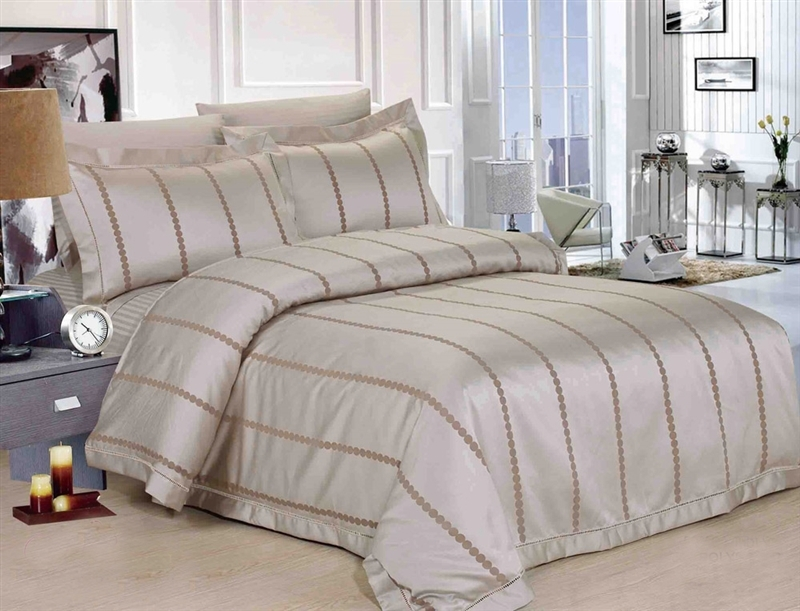 Dotty Luxury 8 piece Twin Bedding Set