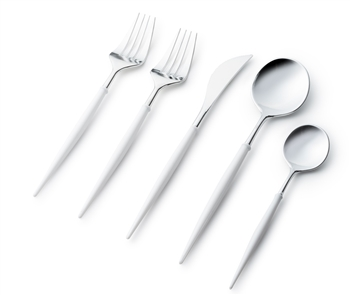 Noble Collection Cutlery 40 Pc w/ White and Silver