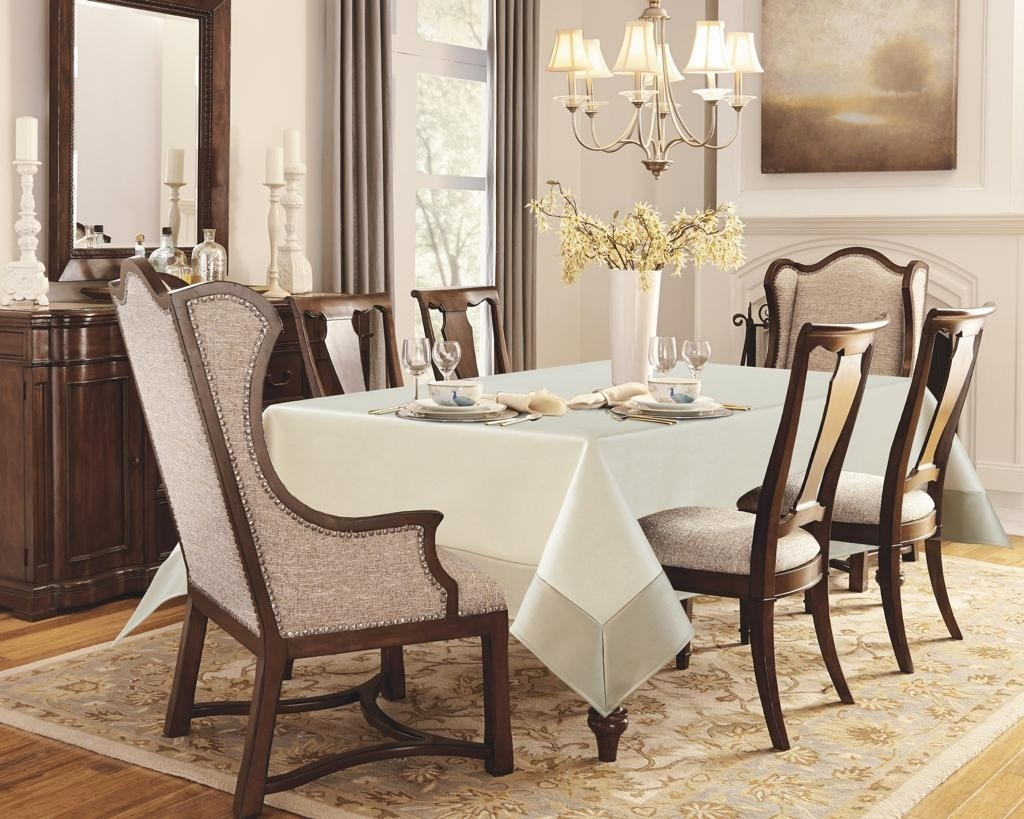 Acadia Ivory and Platinum Faux Leather Tablecloth